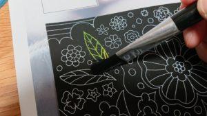 スクラッチアートのやり方の手順